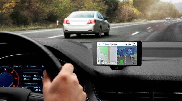 navigatore satellitare in auto