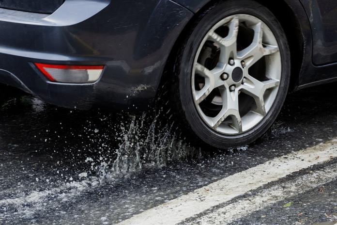asfalto viscido